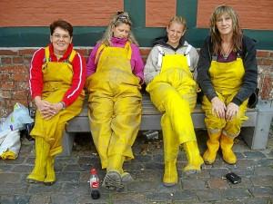 """Die 4 """"Mädels"""" von der Grabung machen 'Fofftein'"""